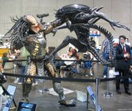 Alien vs. Predator statue at Comic-Con