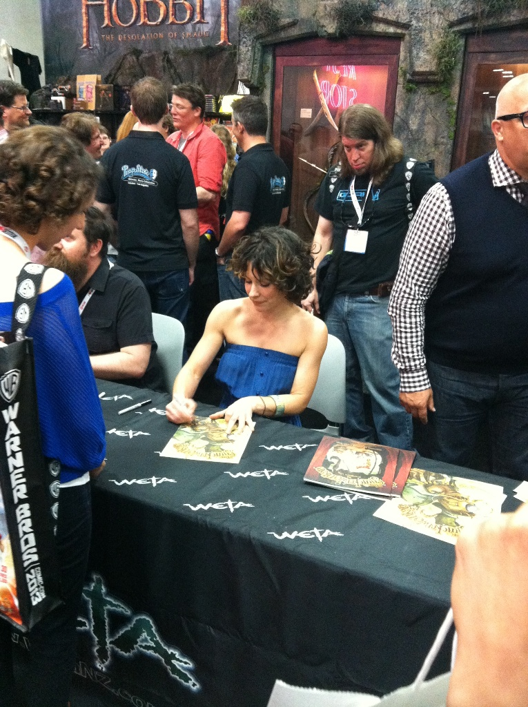 comic-con-2013-evangeline-lilly-002