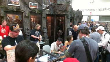 comic-con-2013-evangeline-lilly-signing-squickerwonkers (2)