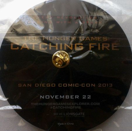 hunger-games-pin-back-comic-con-2013