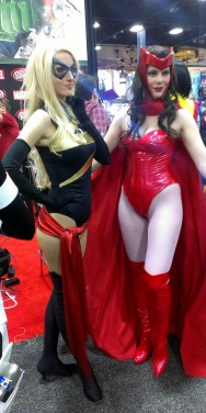Wide hips and skinny waist cosplayer