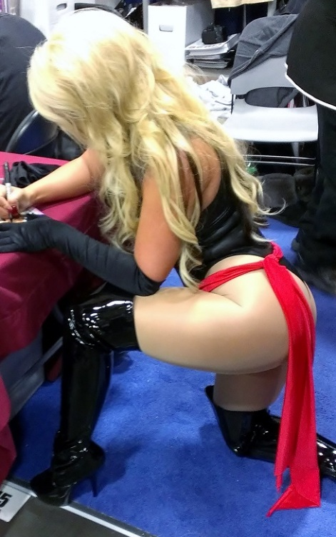 sexy-ms-marvel-cosplay