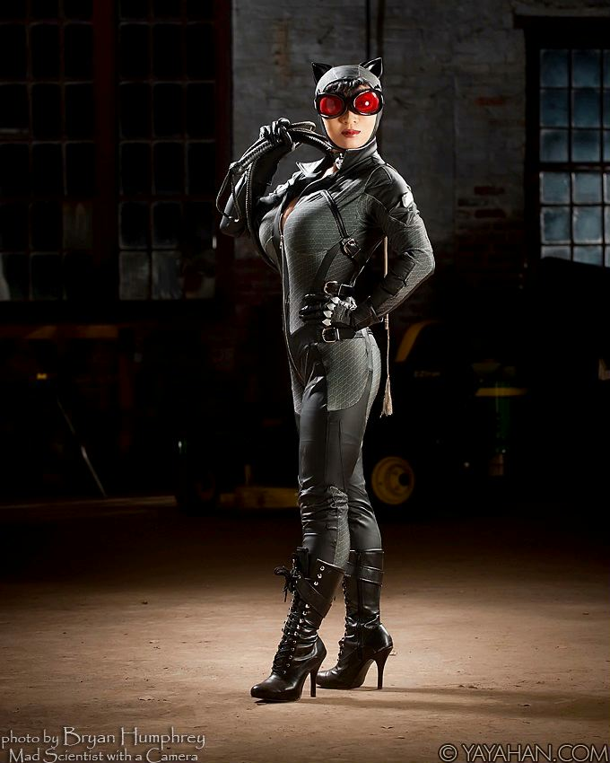 Catwoman Cosplayer Yayahan