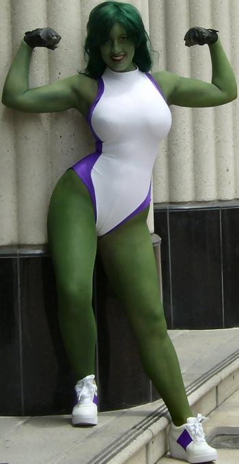 Bellechere, She-Hulk Cosplayer