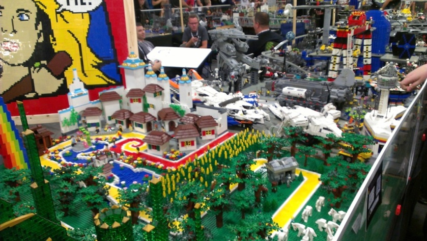 salt-lake-comic-con-legos-006