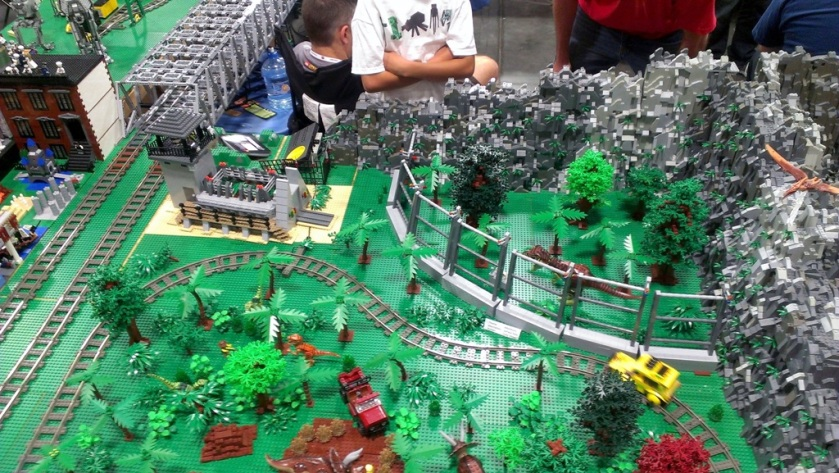 salt-lake-comic-con-legos-00714