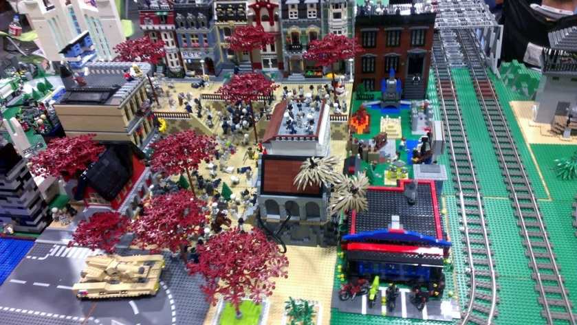 salt-lake-comic-con-legos-00715