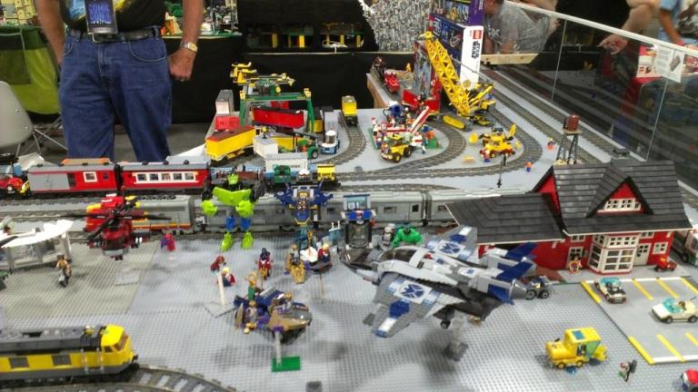 salt-lake-comic-con-legos-008