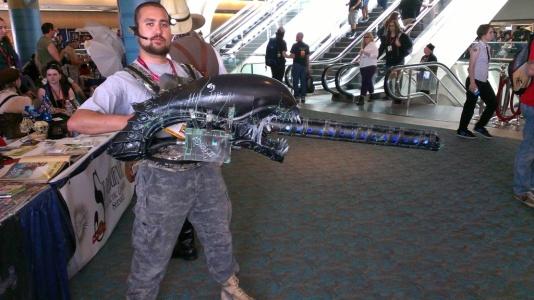 aliens-cosplay